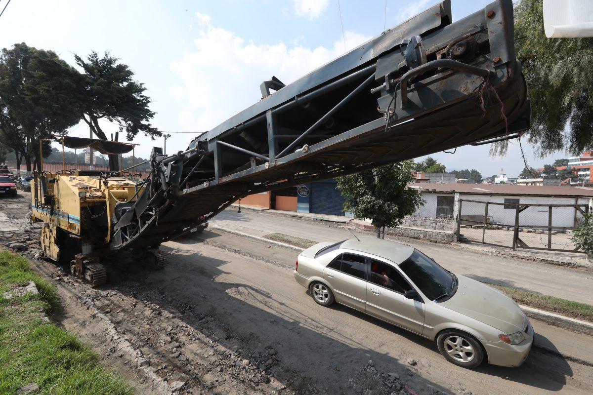 ¿Qué pasará con las calles de Xela donde la empresa H3 Guatemala levantó el asfalto y los trabajos no avanzan?