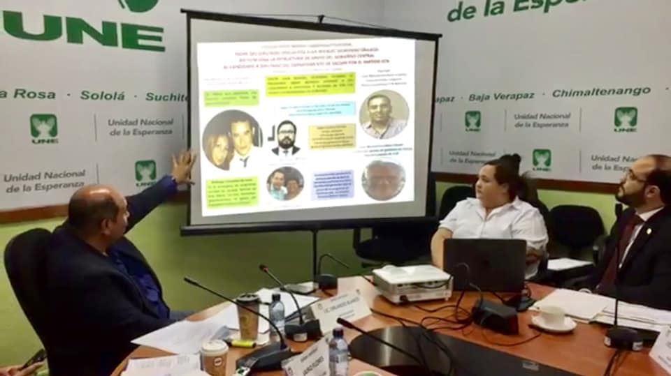 Diputados denuncian que los programas sociales son utilizados de forma clientelar. (Foto Prensa Libre: Cortesía)