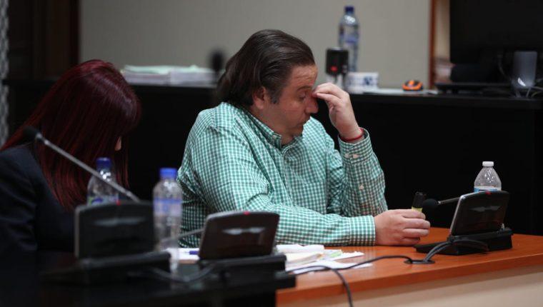 Carlos Barreda escucha la decisión de juez Gálvez de enviarlo a juicio. (Foto Prensa Libre: Carlos Hernández)