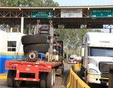 En puntos fronterizos como El Corinto (frontera con Honduras) se reportaba avance lento. (Foto Prensa Libre: Dony Stewart)