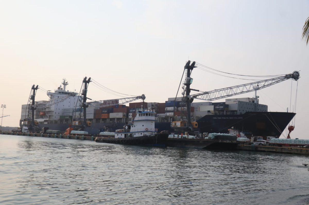 Fallas en Duca provocan parálisis en un 75% del comercio y que barcos zarpen vacíos