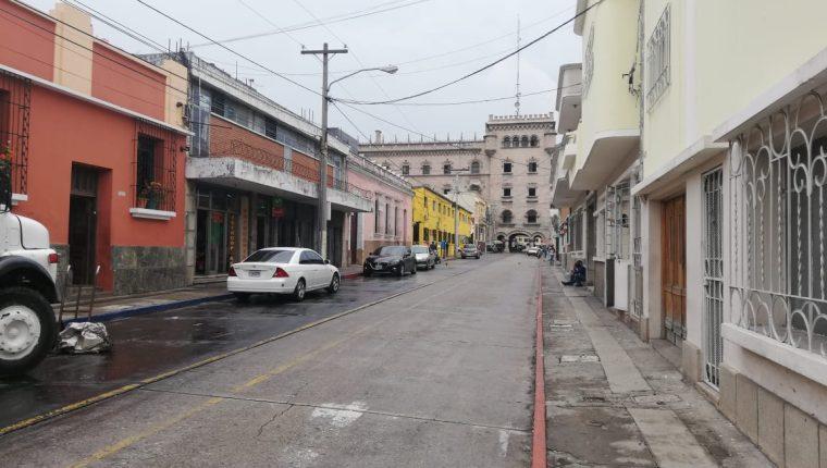 6a. avenida A de la zona 1, donde se efectuarán los trabajos de remozamiento.(Foto Prensa Libre: José Patzán)