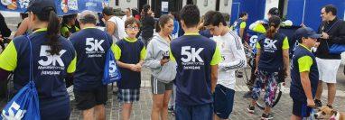 Familias se preparan para participar en la carrera 5K organizada por Prensa Libre. (Foto: Prensa Libre: Dadiana Cabrera)