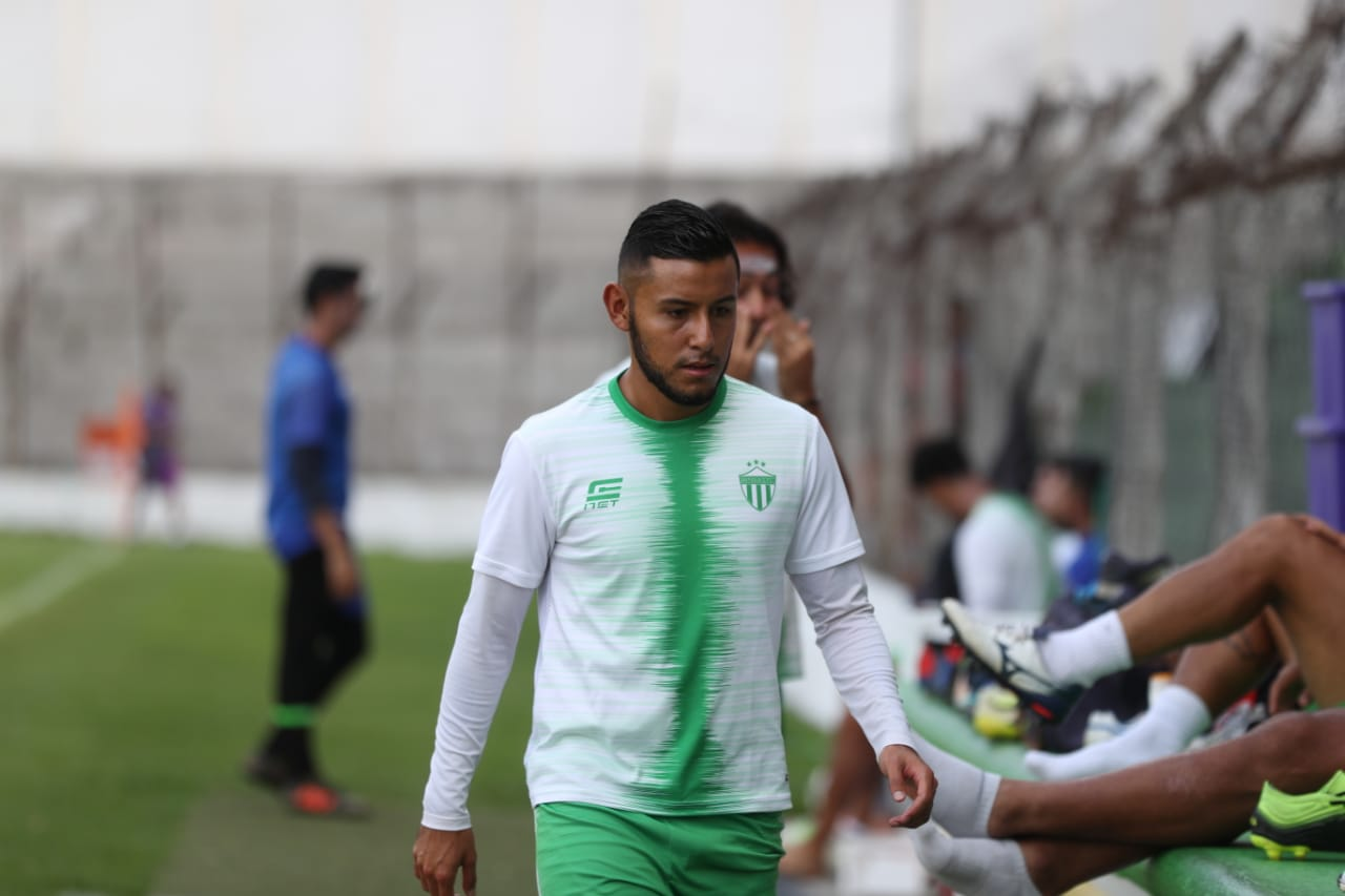 El defensor Cristian Alexánder Jiménez volverá a ser opción para el timonel de Antigua GFC, Antonio Torres Servín, de cara a la final de ida contra Malacateco (Foto Prensa Libre: Carlos Vicente)