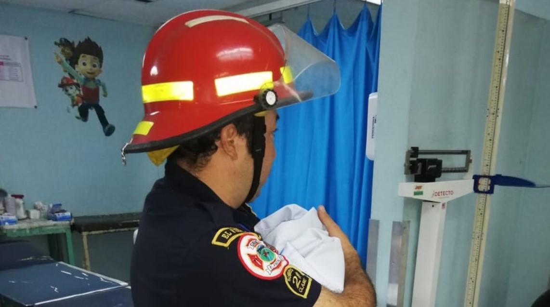 Vecinos de Palencia localizan a una recién nacida a un costado del puente El Chato