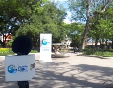 Cabildo Abierto de Prensa Libre y Noticiero Guatevisión se transmitió desde el parque central de Antigua Guatemala. (Foto Prensa Libre: Eslly Melgarejo)