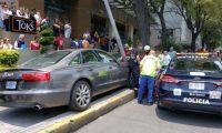 El vehículo con placas diplomáticas arrolló a seis personas. (Foto Prensa Libre: @elgmx)
