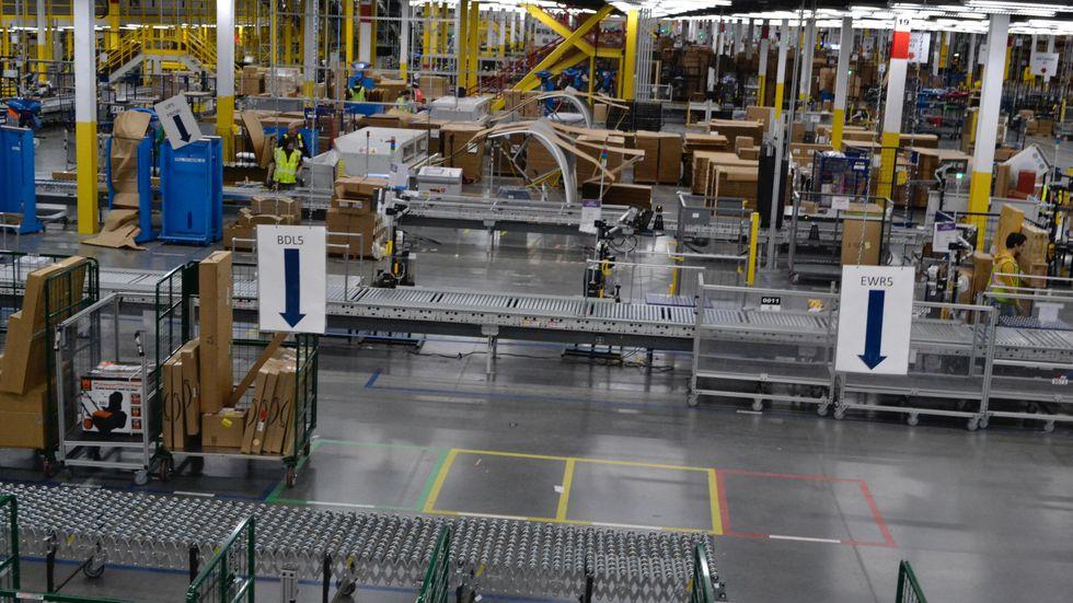 Amazon estimó que uno de estos nuevos proveedores, con entre 20 y 40 vehículos de reparto, obtenga un beneficio de entre 50 mil y 100 mil euros al año. (Foto Prensa Libre: cnet.com)