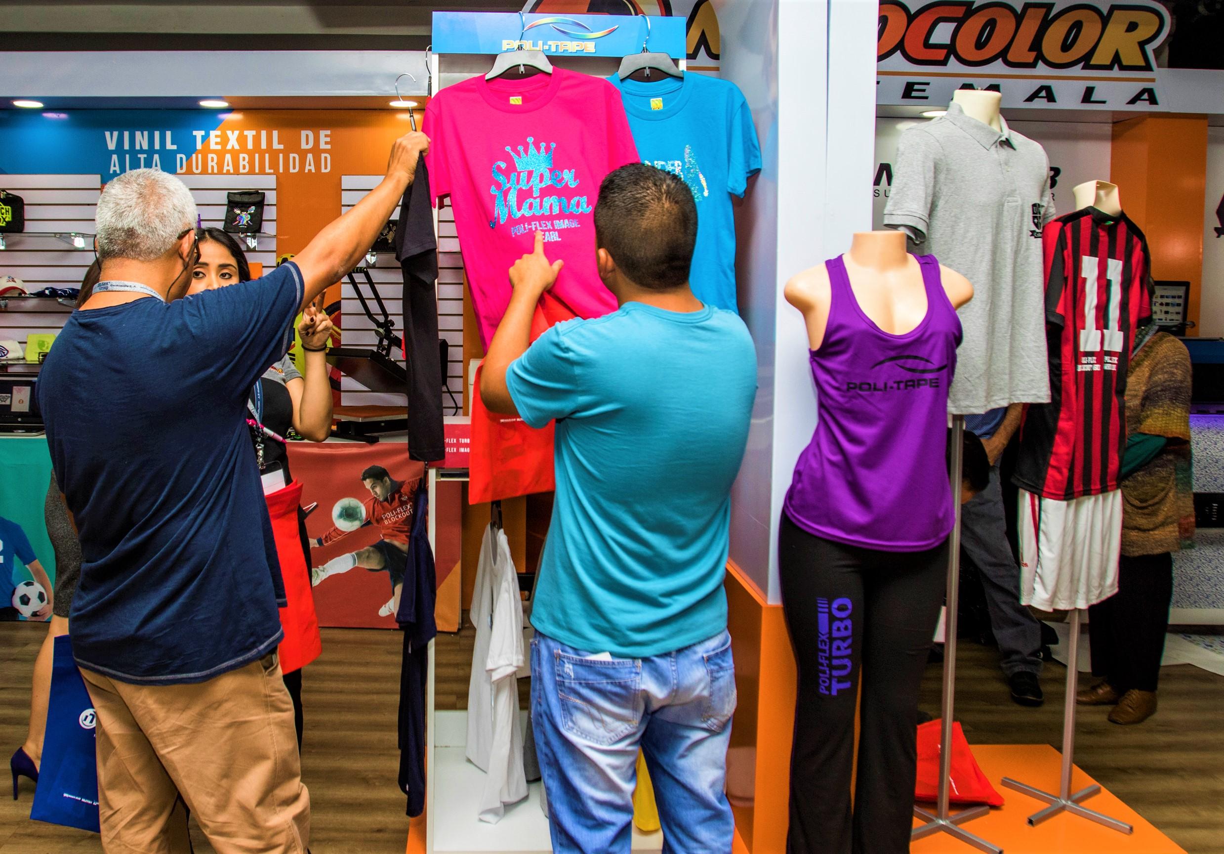 La industria textil en Guatemala está en auge, sin embargo, no todo el impacto positivo se queda en Guatemala. (Foto Prensa Libre: Cortesía)