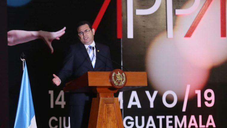 El presidente Jimmy Morales llegó a la inauguración del Apparel Sourcing Show. (Foto Prensa Libre: Esbin García)