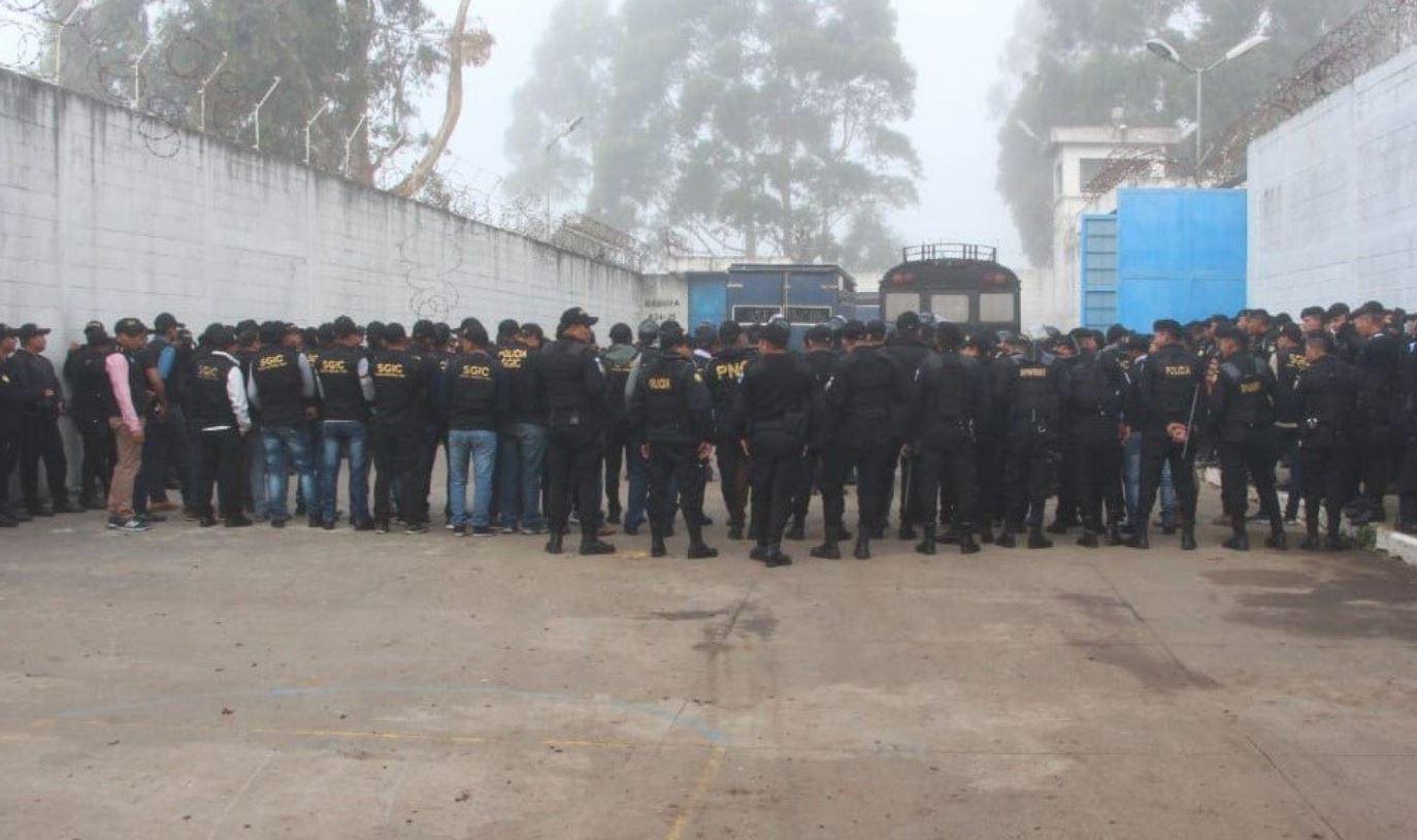 En la requisa en Fraijanes 2 participaron agentes de distintas unidades especializadas de la Policía. (Foto: PNC)