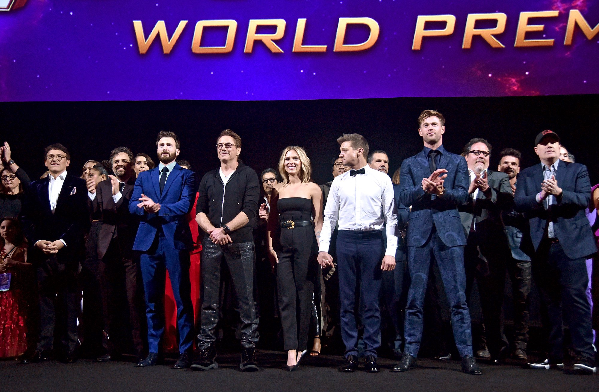 """El elenco de """"Avengers: Endgame"""" durante la premier de la cinta en Los Ángeles, California. (Foto Prensa Libre: Facebook)"""