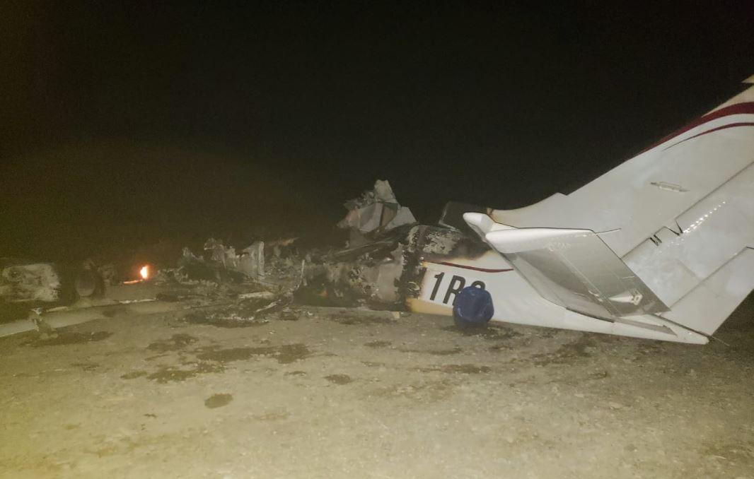 La aeronave fue localizada luego de ser incendiada. (Foto Prensa Libre: cortesía Ejército)