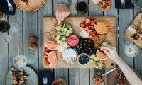 ¿Cómo pasarla bien en un descanso? Quizás con una mejor dieta (Foto Prensa Libre: Servicios / Pexels).