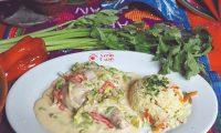 El pollo en crema con loroco es un platillo tradicional en el oriente de Guatemala (Foto: Hemeroteca PL).