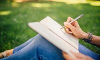 La escritura es una manera adecuada para la expresión (Foto Prensa Libre: Servicios / Pexels).