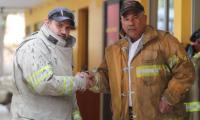 Erick Pérez Arrollo, de 36 años y Raúl Martínez, 61. Bomberos Voluntarios de la cien compañía con sede en Mixco: Foto Prensa Libre: Erick Ávila)