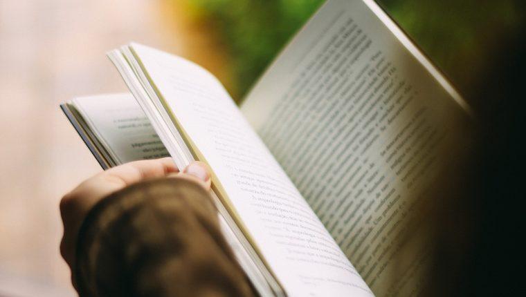Diversos estudios han demostrado que la lectura provoca cambios físicos en el cerebro. (Foto Prensa Libre: Servicios)