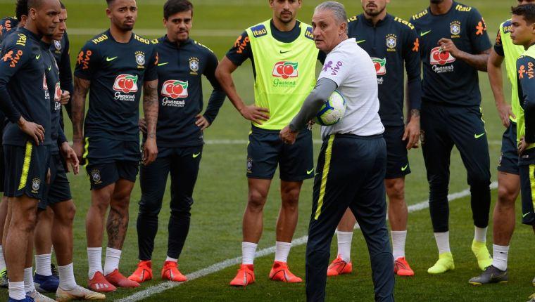 La selección de Brasil es una de las favoritas para quedarse con la Copa América 2019. (Foto Prensa Libre: Hemeroteca PL)
