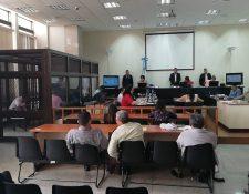 El Tribunal de Mayor Riesgo B, integrado por Irma Valdés, María Castellanos y Elia Perdomo, realiza el debate del caso Génesis desde enero pasado. (Foto Prensa Libre: Kenneth Monzón)