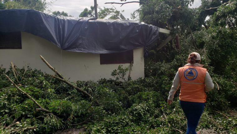 Al menos 1285 personas han resultado damnificadas por la temporada de lluvia 2019. (Foto Prensa Libre: Conred)