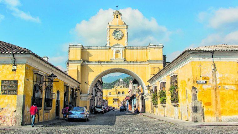 Las autoridades municipales pretenden dejar las calles de la Antigua Guatemala libres de ventas ambulantes.(Foto Prensa Libre: Hemeroteca PL)