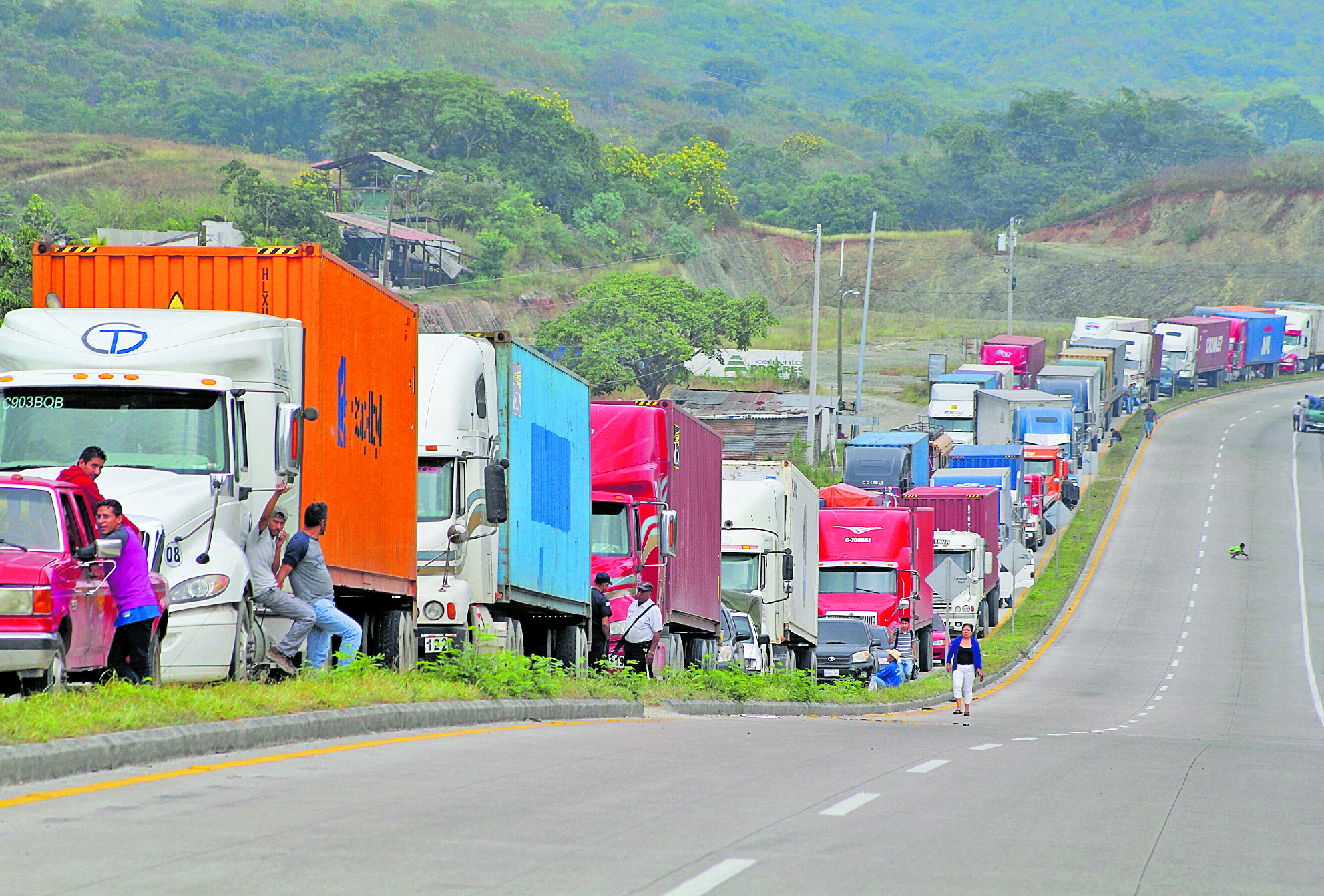 La Gremial de Transporte Pesado no ha confirmado bloqueos en carreteras, según lo que indicaron en un comunicado. (Foto Prensa Libre: Hemeroteca PL)
