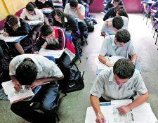 Este año se evaluó a un total de 157 mil 318 graduandos, de los cuales solo uno de cada diez logró un nivel satisfactorio en Matemáticas y tres de cada diez lo hizo en Lectura. (Foto Prensa Libre: Hemeroteca PL)