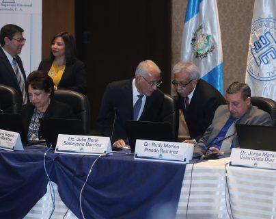 Los magistrados del TSE siguen sin conocer los casos de candidaturas polémicas. (Foto Prensa Libre: Hemeroteca PL)