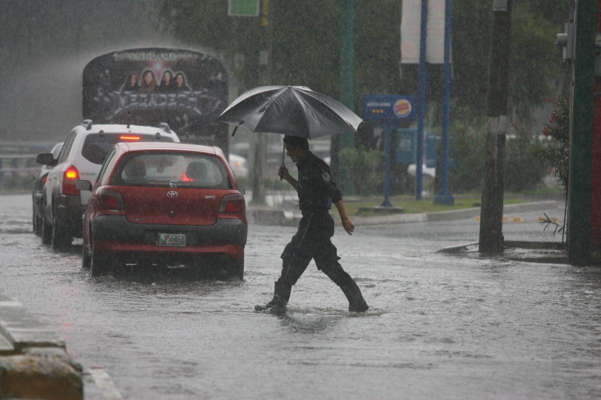 Tres errores que cometen pilotos durante la lluvia y que podrían ser causantes de 40 accidentes diarios