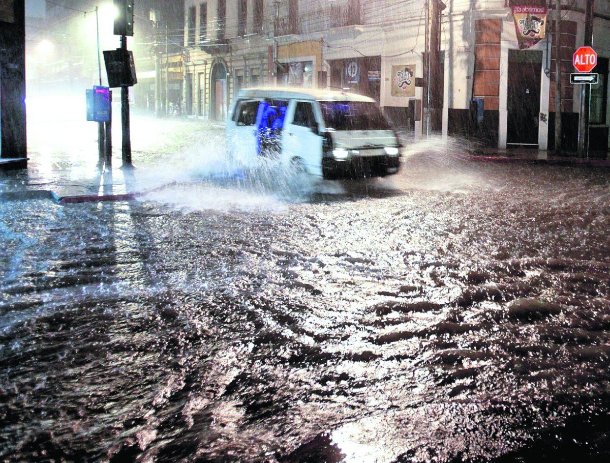 Lluvia causa daños en varios sectores del país
