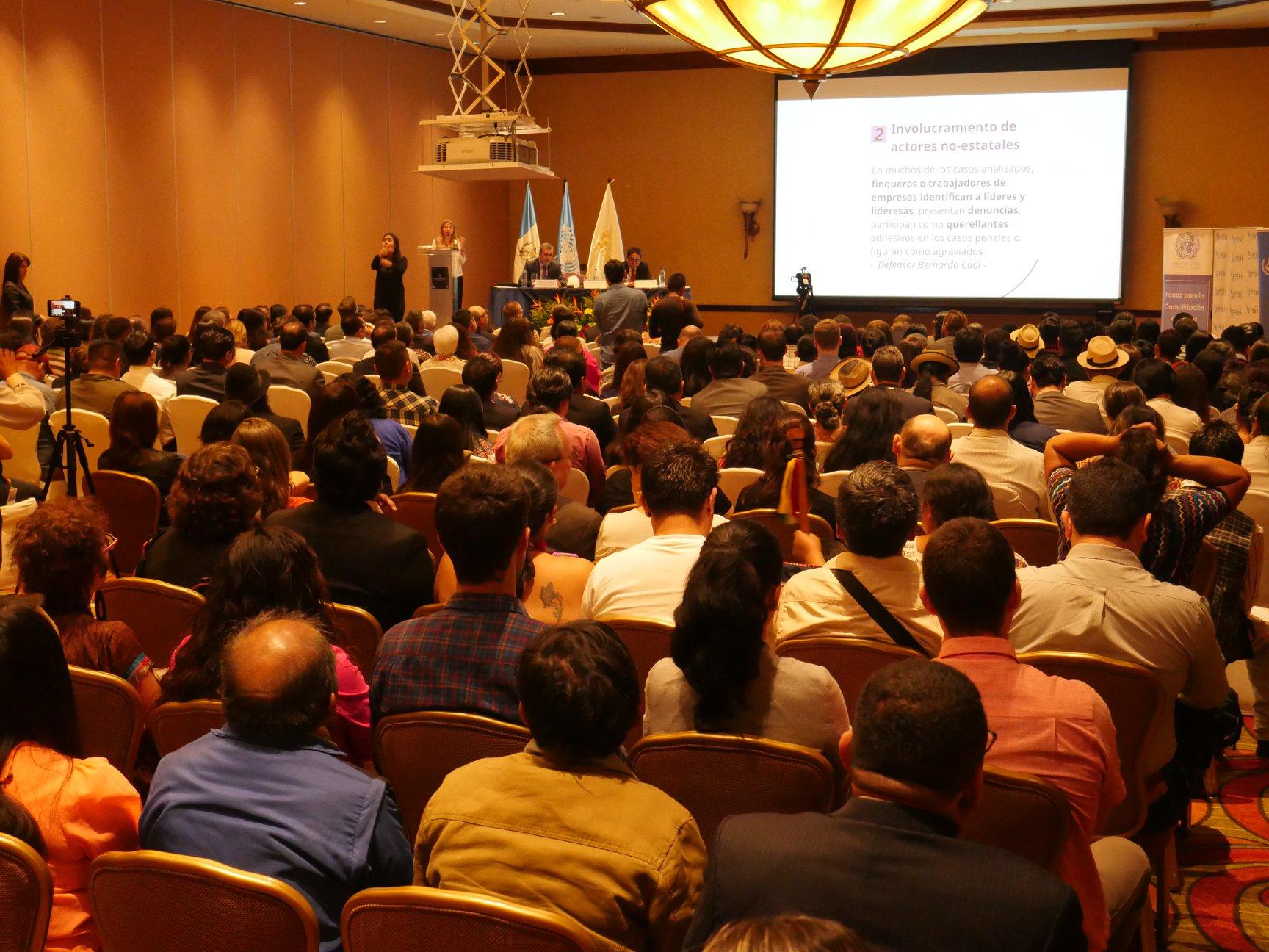 El informe Situación de las personas defensoras de derechos humanos en Guatemala: Entre el compromiso y la adversidad refleja la situación de vulnerabilidad de las personas que velan por el bien común. (Foto Prensa Libre: @OACNUDHGuatemala)