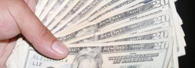 Los capturados recibían grandes cantidades de dólares. (Foto Prensa Libre: Hemeroteca PL)