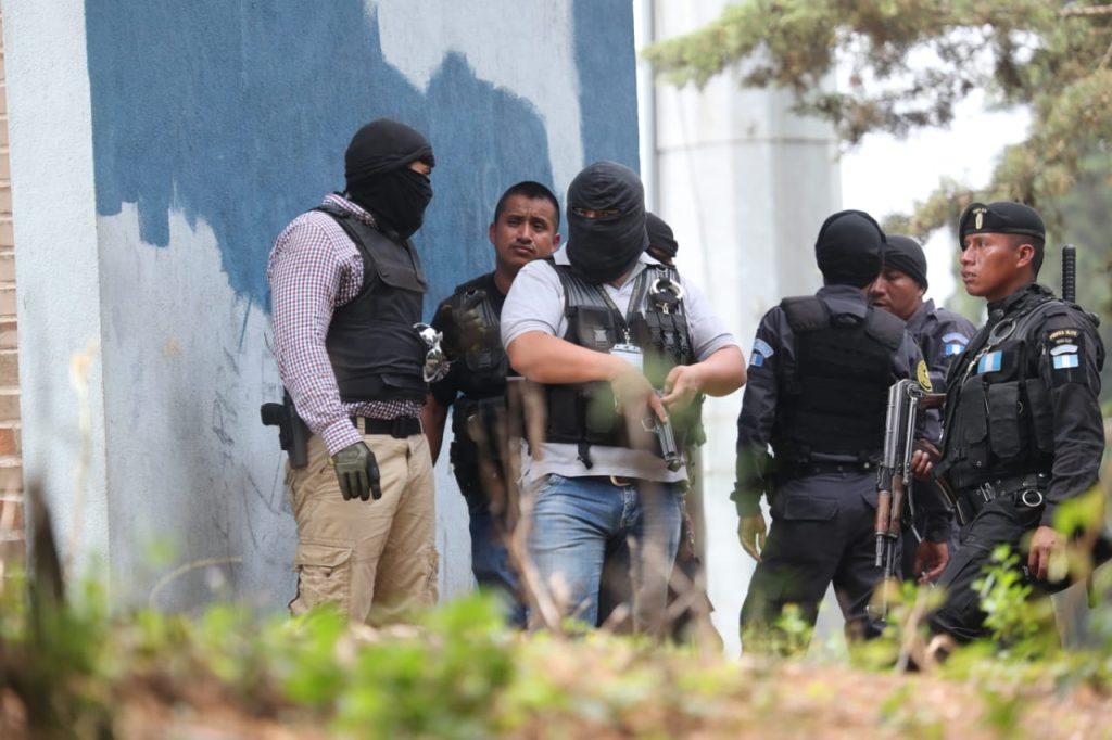 Se tiene conocimiento que se a avanzado en el diálogo y se permitirá el ingreso de una comitiva al reclusorio. Foto Prensa Libre: Érick Ávila