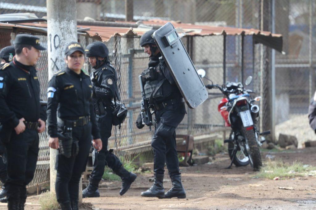 Los heridos fueron trasladados a los hospitales Roosevelt y San Juan de Dios. Foto Prensa Libre: Érick Ávila