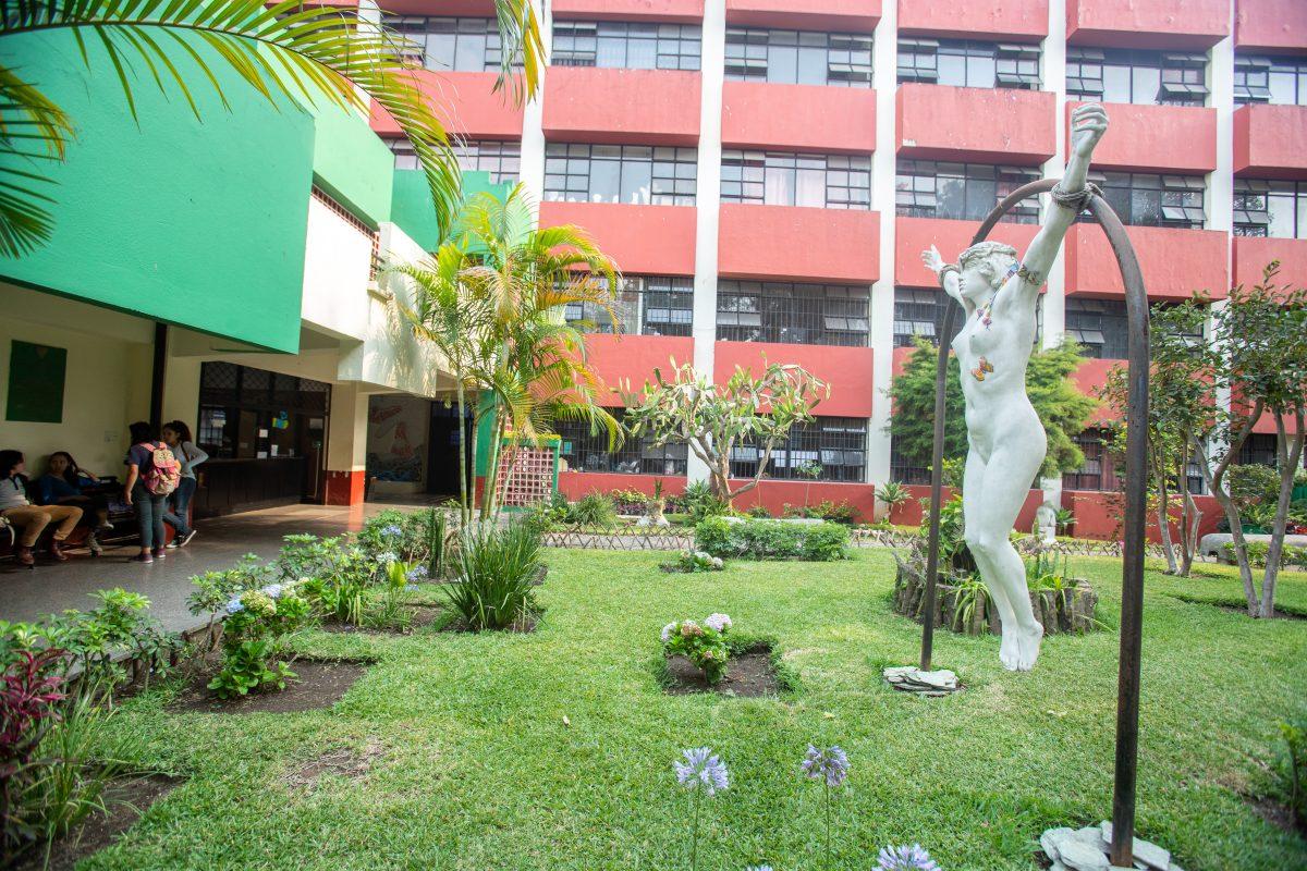Visite y conozca la escuela en la que han estudiado grandes artistas guatemaltecos