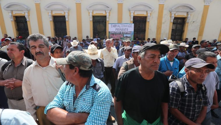 Exsoldados amenazaron con impedir las votaciones del 16 de junio si no les pagan un resarcimiento (Foto Prensa Libre: Hemeroteca PL)