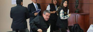 Fiscales contra extorsiones previo a la conferencia del caso en la sede del Ministerio Público (Foto Prensa Libre: Érick Ávila)