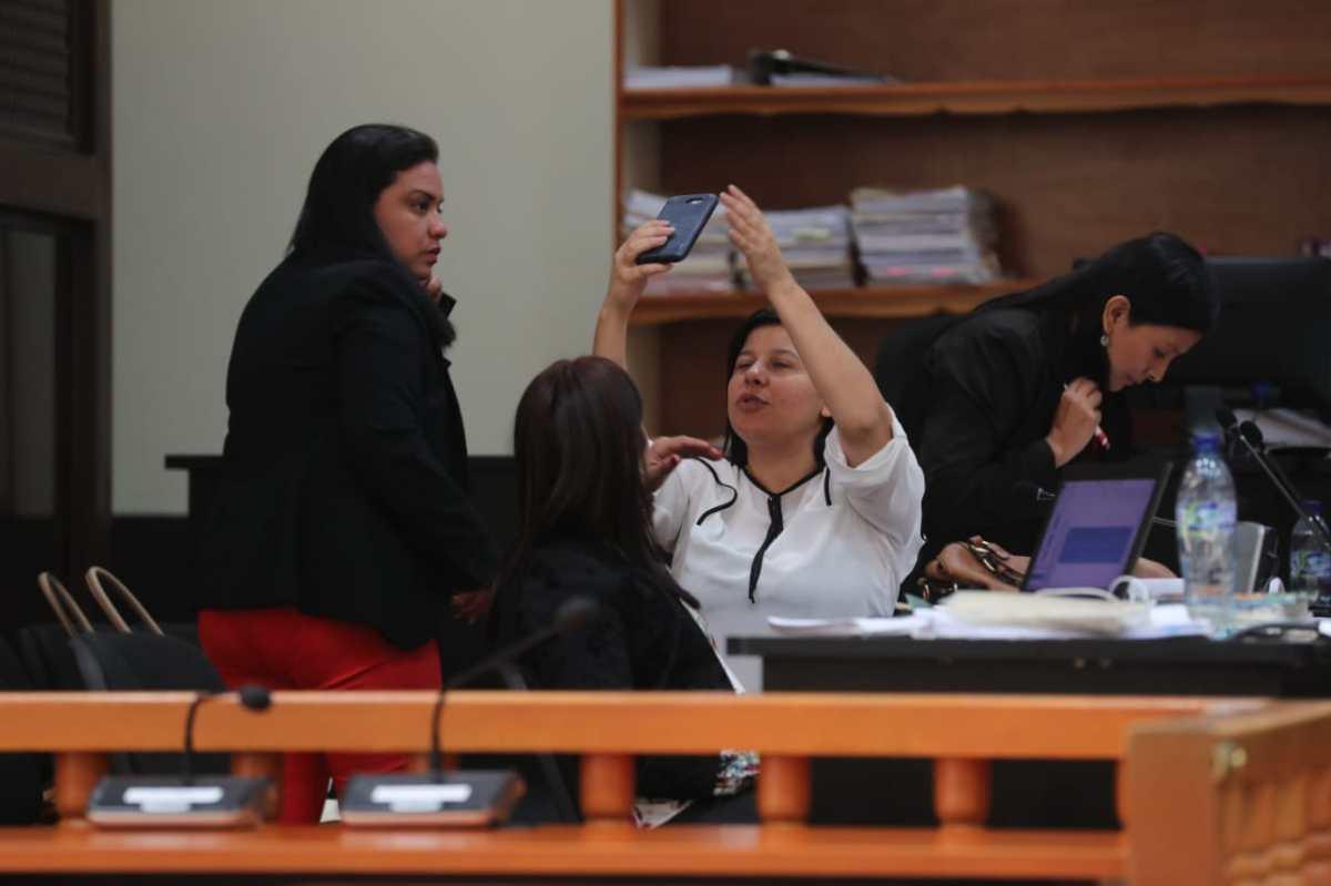 Por segunda vez quedan libres de culpa tres fiscales de Chiquimula señaladas de corrupción