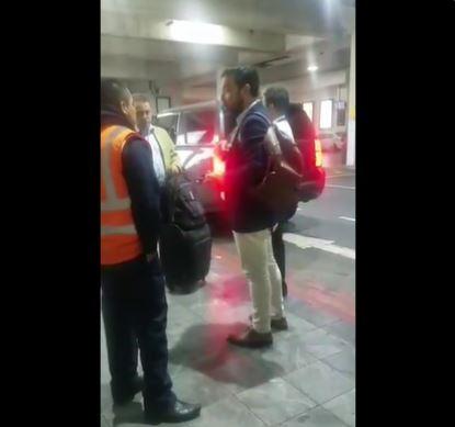 La polémica por el regaño que recibió un guardia en el aeropuerto por comprar comida en una venta ambulante