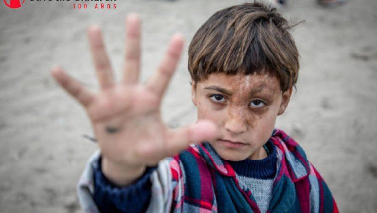 Las minas terrestres, bombas y ataques aéreos causan el 72 % de las muertes y lesiones, según Save the Children. (Foto Prensa Libre: Save the Children)