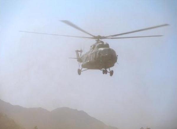 Según testigos entrevistados por medios locales se escucharon explosiones cuando el helicóptero tocó tierra y una columna de humo se elevó en lo que se presume es el lugar del accidente. (Foto Prensa Libre: El Informador)