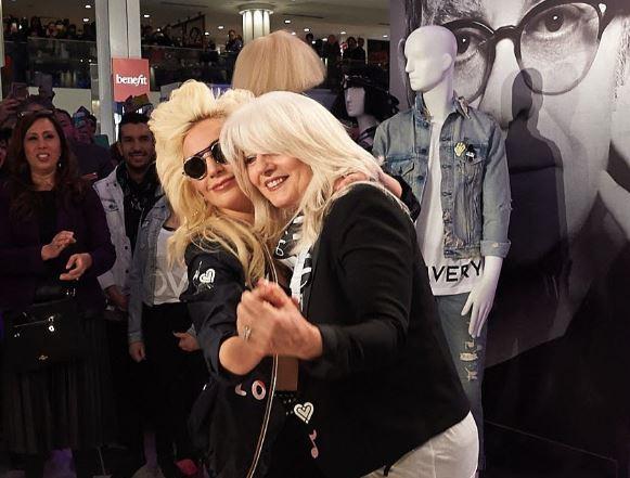Cuál es el vínculo de Lady Gaga y su madre con la salud mental en el mundo