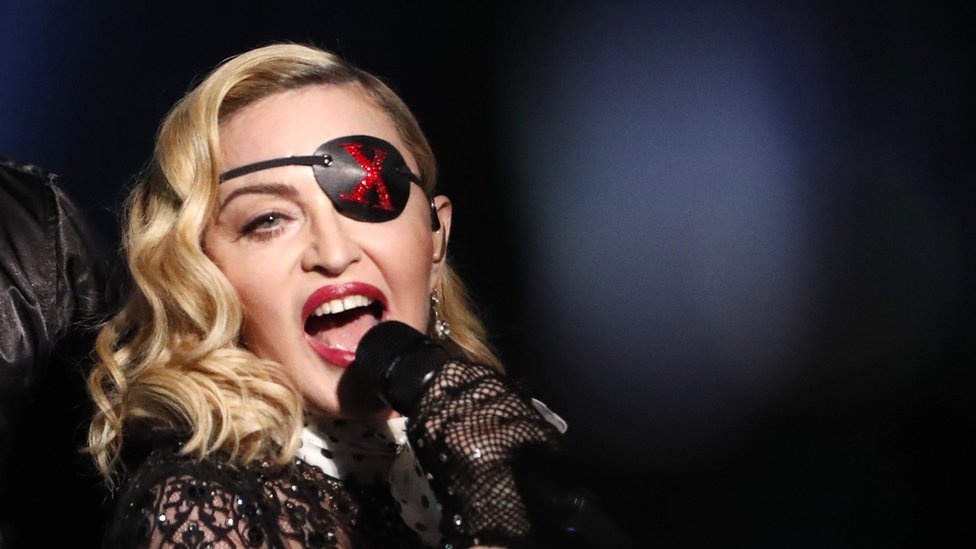 La voz desafinada de Madonna y otras cosas que desataron críticas en Eurovisión