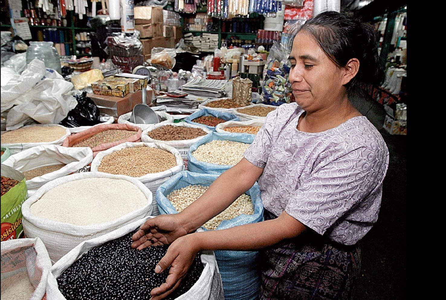 Los mercados capitalinos han recibido visitas de varios candidatos a la alcaldía. (Foto Prensa Libre: Hemeroteca PL)