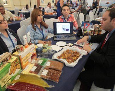 Empresarios peruanos vendrán a Guatemala para explorar oportunidades de negocios en el sector de alimentos. (Foto Prensa Libre: Hemeroteca)