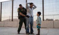 Miles de guatemaltecos caminan cientos de kilómetros para poder llegar a EE. UU., tal como lo hizo José, detenido por la patrulla fronteriza. (Foto Prensa Libre: AFP)