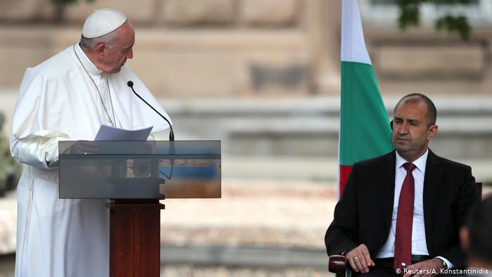Papa Francisco de visita en Bulgaria. (EFE)