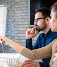 Las redes sociales actualmente son unos de los canales donde varias empresas buscan a futuros empleados como herramienta de reclutamiento. (Foto Prensa Libre: Shutterstock)