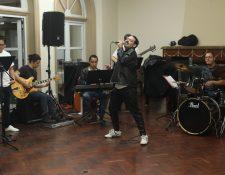 Killer Queen, grupo guatemalteco, en ensayo Show Rapsodia para Guatemala.  (Foto Prensa Libre: Erick Ávila).